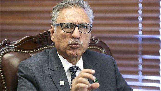 """Pakistan Cumhurbaşkanı Arif Alvi, """"Hindistan Cammu Keşmir'de ateşle oynuyor"""