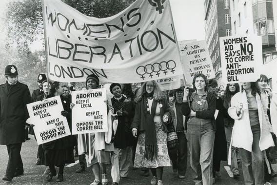 Liberal demokrasilerde feminizm ve cinsiyet körlüğü
